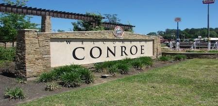 Welcome to Conroe sign